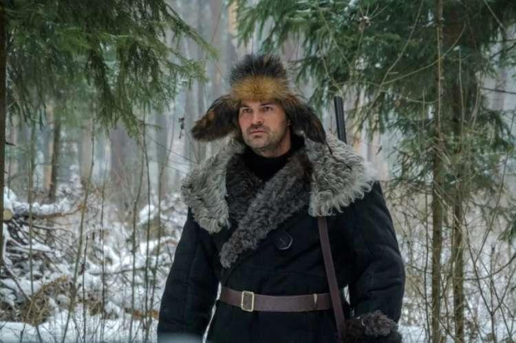 «Теперь я в банке работаю охранником»: как поживает актер, музыкант и режиссер Александр Дьяченко