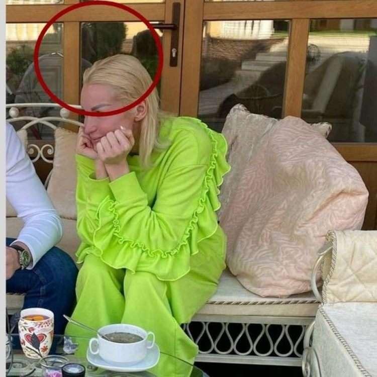 «Больше, чем у Плющенко»: Волочкова «засветила» своего носатенького ухажера.