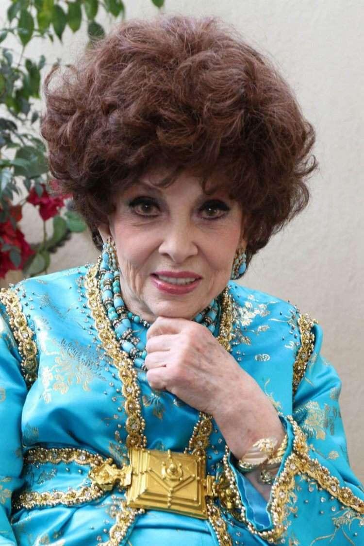 В 93 внешность как в 40. Джина Лоллобриджида покорила поклонников молодостью