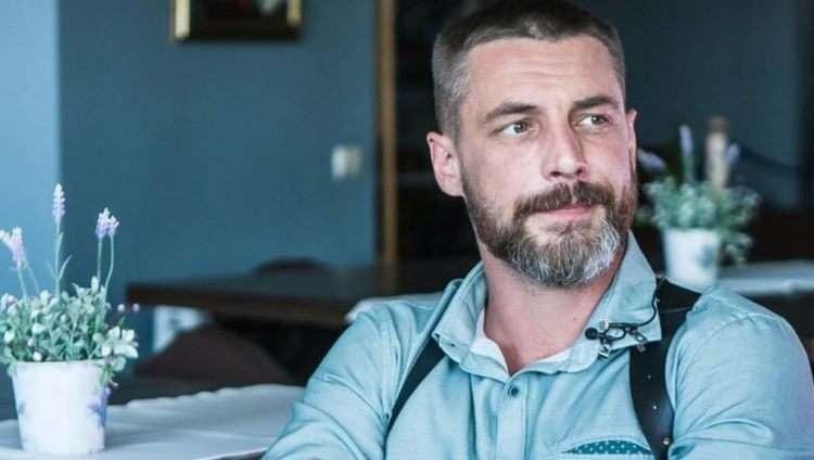 «Он оставил супругу с сыном ради красавицы-актрисы»: Антон Батырев, роли и кто его жена