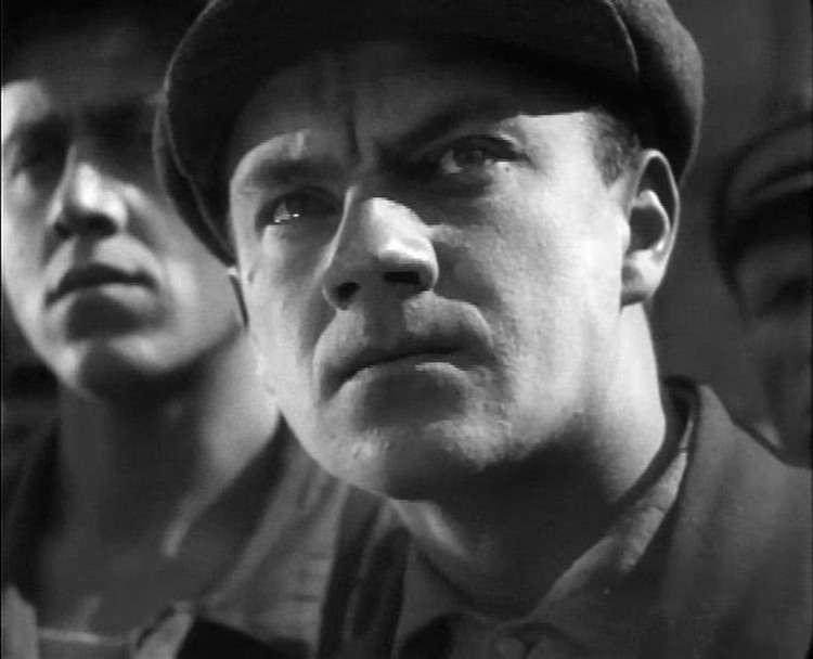 """Сломанная карьера и 23 года скитаний по Советскому Союзу. За что сидел в тюрьме Шеф из комедии """"Бриллиантовая рука"""""""