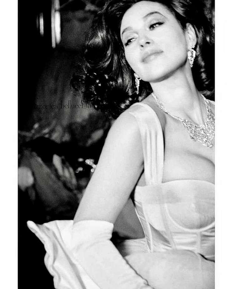 Блистательная Моника Беллуччи с её красотой и фигурой в свои 56 даст фору и молодым!